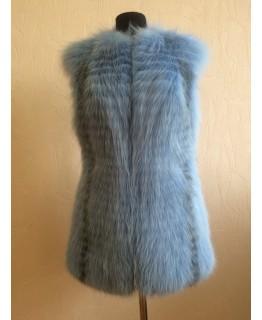 Нежно-голубая жилетка из меха арктической лисы арт. 699
